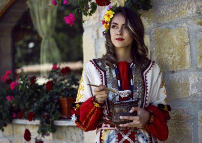 Награда на публиката - Антоанета Панова - Българката знае тайната на здравето,красотата и дълголетието-киселото мляко!